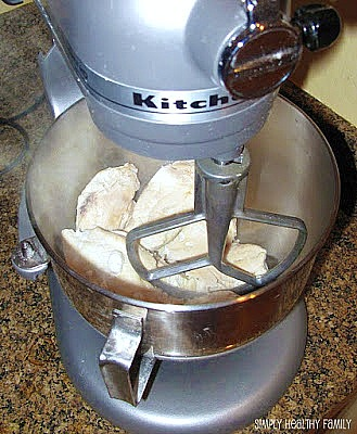 10 Amazing kitchen hacks you need to know like this one!