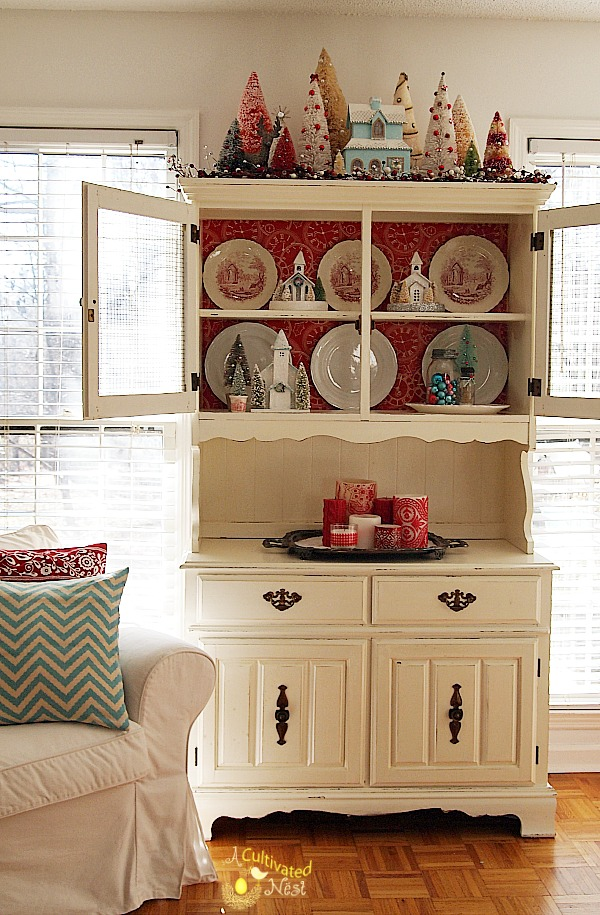 christmas china cabinet decorating. Black Bedroom Furniture Sets. Home Design Ideas