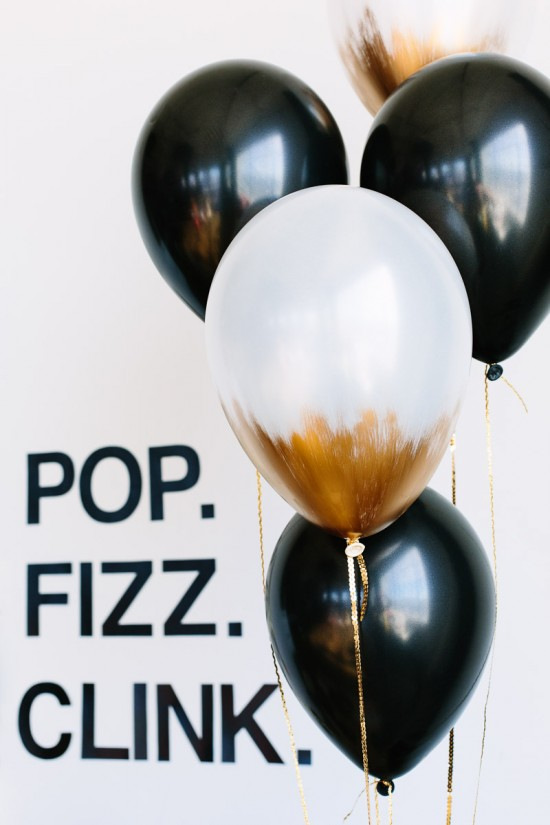 7 Festive and Frugal Ways to Decorate for New Year's Eve - Decorate with balloons for New Year's Eve