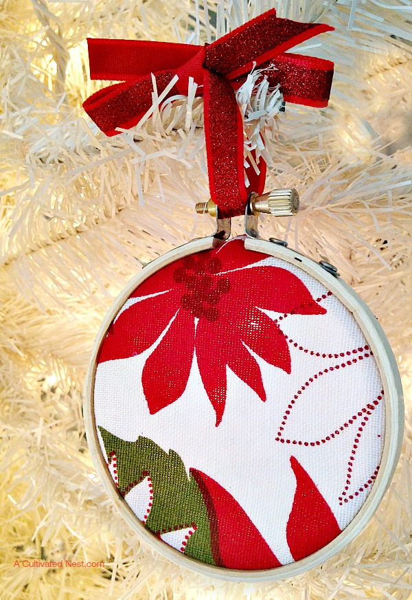 This is such a cute and easy Christmas tree ornament to make! I have so many bit & pieces of scrap fabric that I could use up!