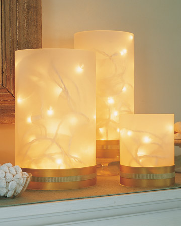 7 Festive and Frugal Ways to Decorate for New Year's Eve - Use twinkling lights for New Year's Eve decoration
