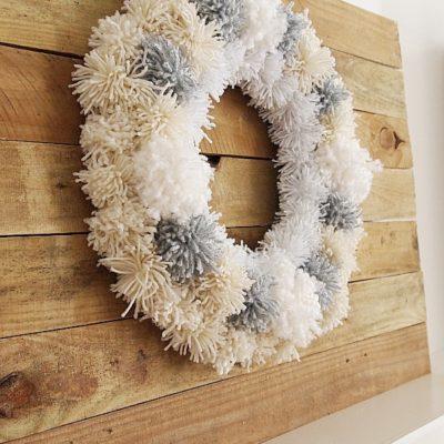 DIY Winter Yarn Wreath & My Fireplace Mantel