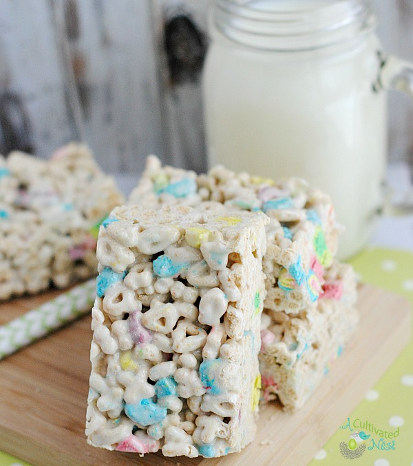 Lucky Charms Rice Krispie Treats- These easy to make Lucky Charms treats are homemade Rice Krispie Treats that are perfect for St. Patrick's Day! Or just make them for any time of year if you're a fan of the cereal! This Rice Krispie recipe could also be made with other cereal for other occasions. | krispy rice treats, St. Patty's Day, Saint Patrick's Day #recipe #dessert #StPatricksDay #homemade