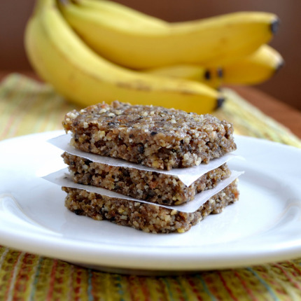 14 Snacks You Can Make At Home Instead of Buying - these foods are simple to make at home and healthier than the store bought version-homemade Larabars