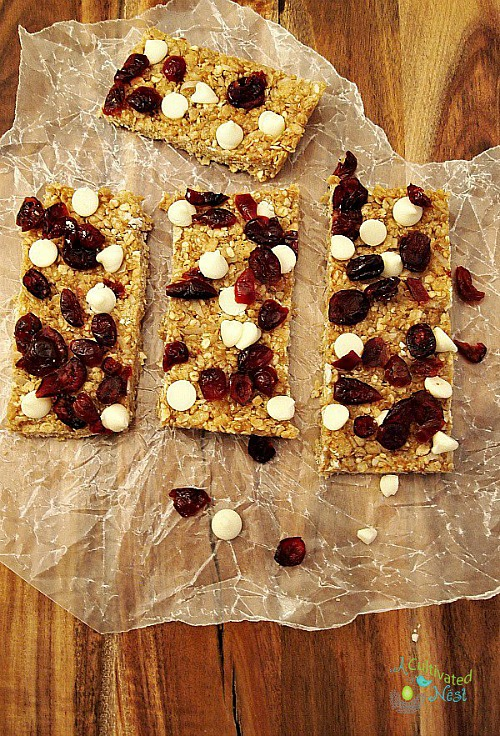 14 Snacks You Can Make At Home Instead of Buying - these foods are simple to make at home and healthier than the store bought version - homemade no-bake granola bars