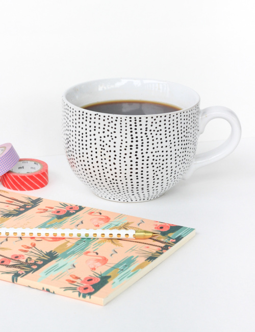 10 Awesome DIY Gifts for Mom- Having a hard time thinking of what to get your mom for Mother's Day? Check out these awesome DIY Mother's Day gifts! | #mothersDay #diyGifts #homemadeGifts #mothersDayGifts #ACultivatedNest