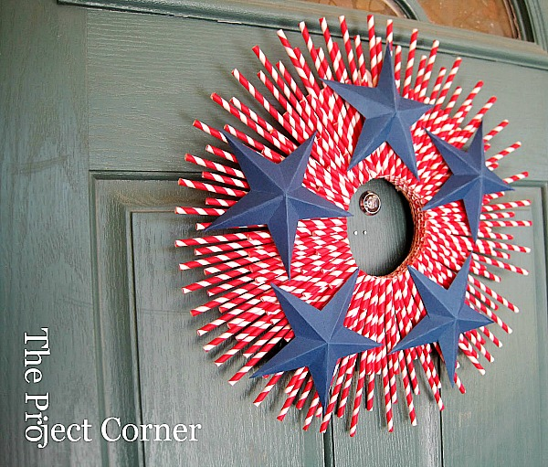 15 Patriotic DIY Home Decor Projects: Wreath