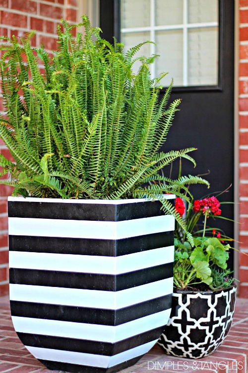 10 Creative DIY Planter Ideas: diy-black-and-white-striped-pot