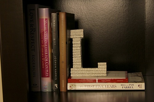 10 Awesome Book Page Projects: DIY book page paper letter projects