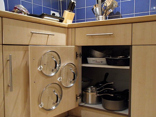 Tips for organzing pots and pans: organized lids ideas