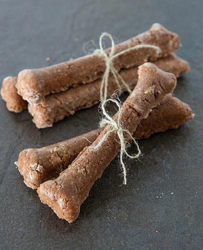 15 Homemade Dog Treats | Easy Homemade Wet Food Dog Treats