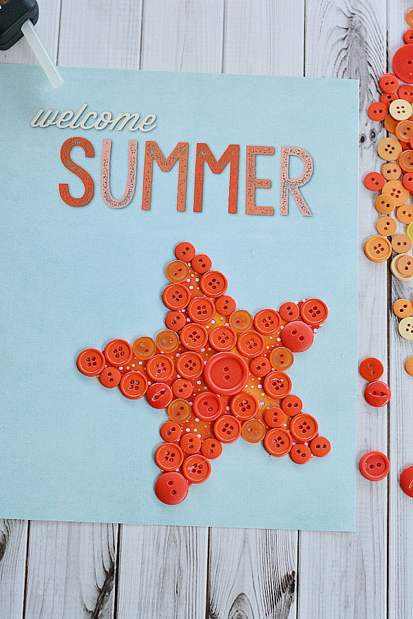 Starfish Welcome Summer Button Craft- Adding buttons | #freePrintable #diy #craft #summer #printable #decor #wallArt #buttonCraft #kidsCraft