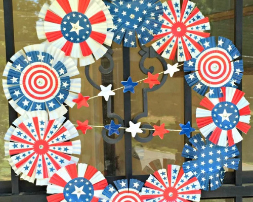 12 Cute DIY Patriotic Outdoor Decorations- These 12 cute DIY patriotic outdoor decorations ideas will turn your ordinary yard or front porch into the festive place to be!   Fourth of July decorations, Memorial Day decorations, flag themed décor #FourthOfJuly #MemorialDay #DIY #patrioticDecor #ACultivatedNest