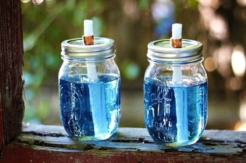 10  Summer Mason jar ideas like these DIY citronella Mason jar torches