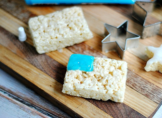 How to make American Flag Rice Krispie Treats