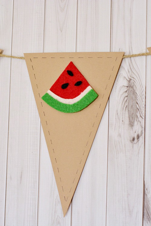 Easy fruit banner summer craft- watermelon