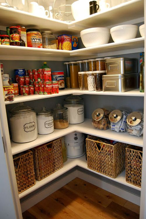 Pretty pantry organization ideas- solid shelves
