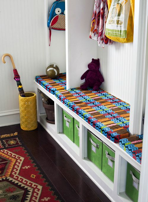 10 useful back to school organization solutions- organized mud room/entryway