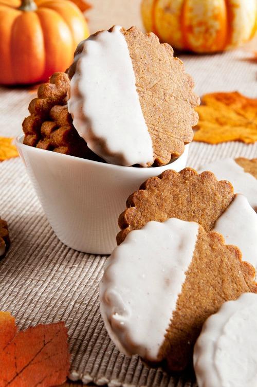 Brown Butter Pumpkin Shortbread Cookies