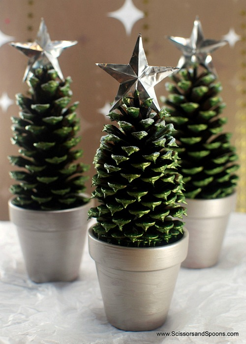 DIY Pinecone Christmas Trees
