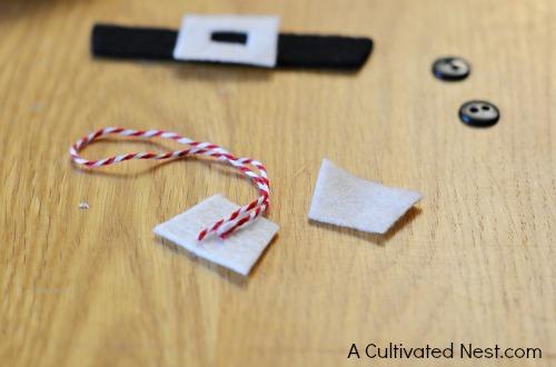 DIY felt Santa ornament