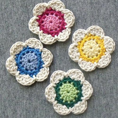 Little Crocheted Flowers