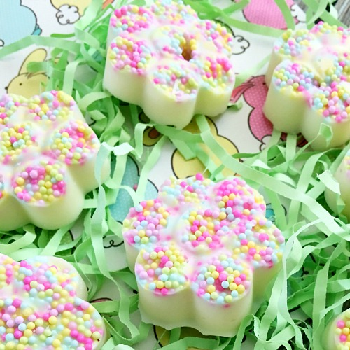Pastel sprinkle chocolate bark bites