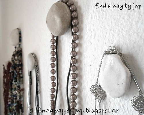 DIY Jewelry Organizer Ideas- DIY Pebble Hangers
