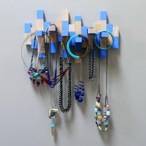 DIY Jewelry Organizer Ideas- DIY Wood Block Jewelry Organizer