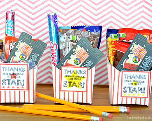 12 Brilliant Homemade Gifts for Teachers- If you want to thank your kids' teachers at the end of the school year or start the year off with a nice present, then you have to make one of these DIY gifts for teachers! | #DIYgift #homemadeGift #backToSchool #teacherGifts #ACultivatedNest