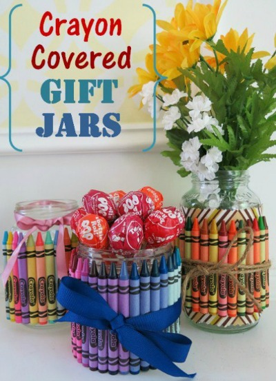 DIY Back To School Teacher Gift Ideas - Back to school is right around the corner! I think teachers always appreciate a thoughtful gift whether it's the beginning or end of the year. or even just because. I've collected some of my favorite DIY Gifts for Teachers that I'm sure they will love!