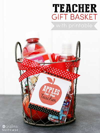 12 Brilliant Back To School DIY Gifts for Teachers- If you want to thank your kids' teachers at the end of the school year or start the year off with a nice present, then you have to make one of these DIY gifts for teachers! | #DIYgift #homemadeGift #backToSchool #teacherGifts #ACultivatedNest