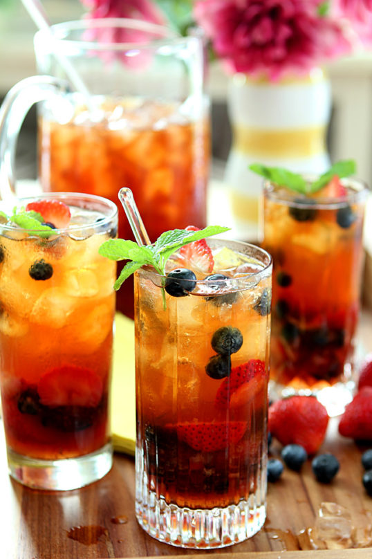 10 Refreshing Flavored Ice Tea Recipes - Very Berry Ice Tea With Mint Syrup