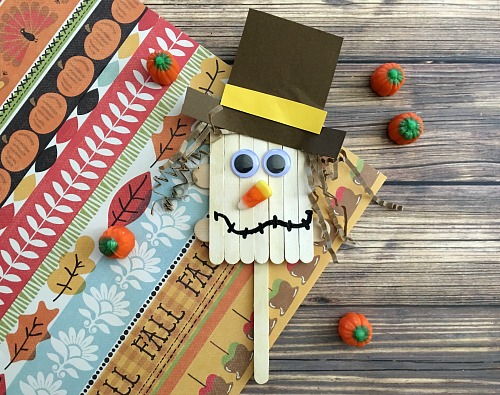 This scarecrow popsicle stick craft is a fun and inexpensive kids craft that's perfect for fall! It would also tie in well with reading the Wizard of Oz in your homeschool!