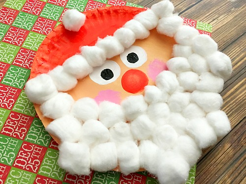 This Santa Christmas paper plate craft is an inexpensive and fun kids craft for the holidays & Santa Christmas Paper Plate Craft for Kids