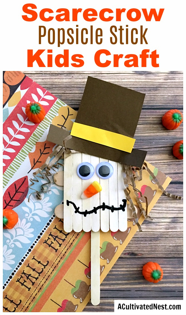Scarecrow Popsicle Stick Craft for Kids- This scarecrow popsicle stick craft is a fun and inexpensive kids craft that's perfect for fall! It would also tie in well with reading the Wizard of Oz in your homeschool! | fall, autumn, fall kids activities, what to make with craft sticks, kids DIY projects, #kidsCraft #kidsActivities