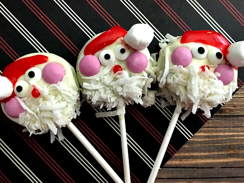 These Santa Oreo pops are an easy, inexpensive, and cute Christmas dessert! It's quick to make a big batch of these, so they're perfect for holiday parties!