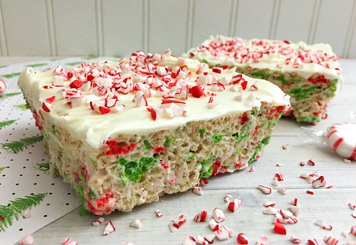 Peppermint Rice Krispie Bars No-Bake Holiday Dessert- You can easily and quickly make a sweet treat for your holiday party by whipping up these no-bake peppermint Rice Krispie bars! | Christmas dessert, easy recipe, fast dessert, party dessert recipe