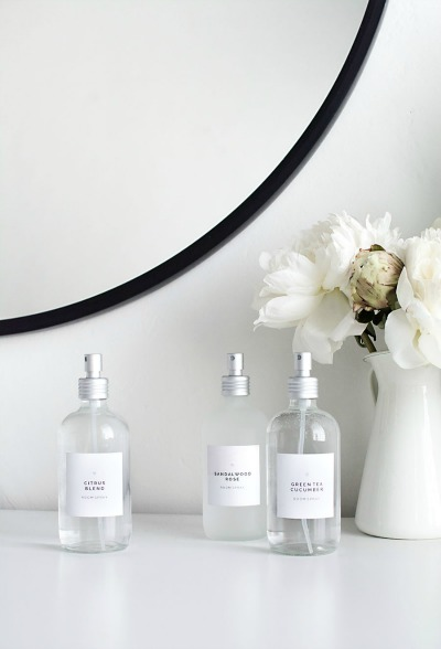 DIY room sprays - These simple DIY Air fresheners are inexpensive to make and will leave your home smelling great in no time!