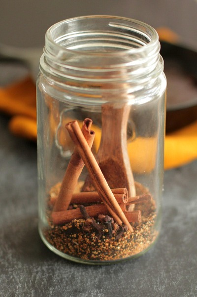 Cinnamon spice jar air freshener - These simple DIY Air fresheners are inexpensive to make and will leave your home smelling great in no time!