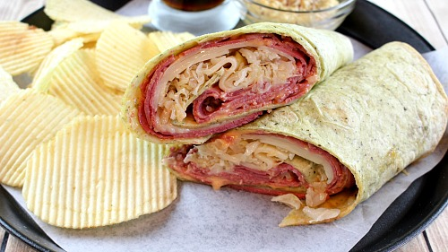 Reuben Wraps- These easy Reuben wraps are a wonderful lunch or quick dinner recipe, and have all the flavor of a delicious Reuben sandwich! They're a great way to use up any corned beef you have left over from St. Patrick's Day! | easy recipe, food, Saint Patrick's Day, quick recipe, leftovers