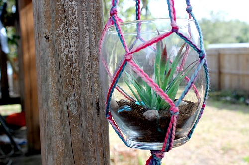 photograph about Free Printable Macrame Plant Hanger Patterns identified as Yarn Macrame Plant Hanger- Generates a Terrific Do-it-yourself Reward!