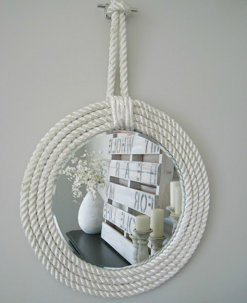 15 Home Decor Summer Crafts- Check out these DIY beach inspired home decor projects so you can add a coastal vibe to your home on a budget! These are such pretty summer decor ideas!   Coastal DIY home decor ideas, DIY projects, nautical home decor, beach cottage, easy crafts, #diyProjects #beachDecor #summerDecor #crafts #ACultivatedNest