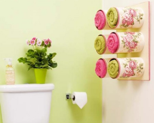 12 Small Bathroom DIY Organization Solutions- What home couldn't use more storage in the bathroom? Check out these 12 creative bathroom storage solutions for some organizing ideas!   #organizingTips #homeOrganization #bathroomOrganization #bathroomStorage #ACultivatedNest