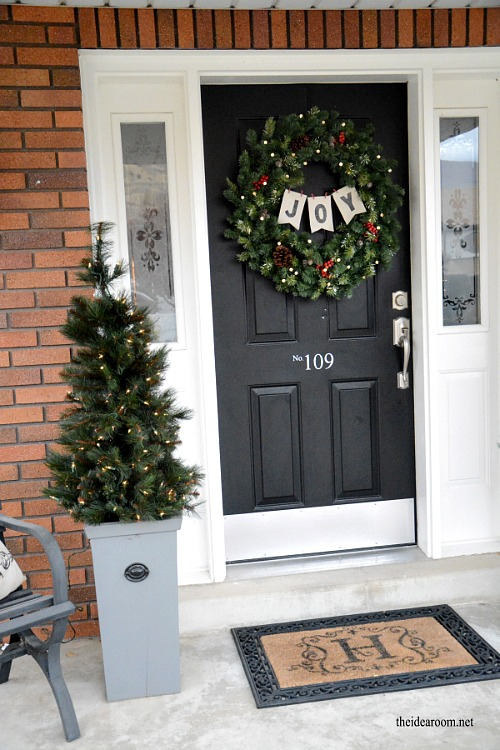15 Easy DIY Outdoor Christmas Decorating Ideas  This Christmas, Stay On  Budget And Make