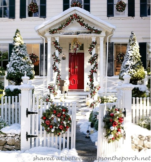 15 easy diy outdoor christmas decorating ideas this christmas stay on budget and make - Christmas Decoration Ideas Diy