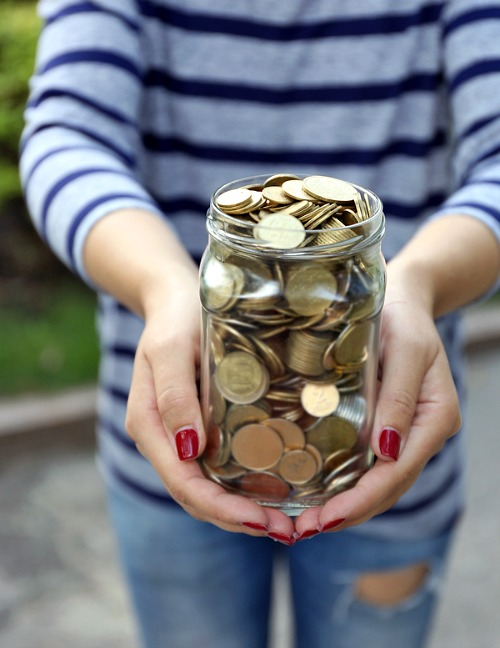 """Saving Money with a Coin Jar- If you want to save money the easy way, then you need to use a coin jar! The money you save can be considered """"egg money"""" AKA fun money! 
