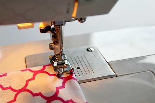 Homemade Cloth Napkins- DIY napkin tutorial step 7- sewing
