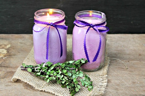 DIY Mason Jar Citronella Lavender Candle- You can avoid bugs and harmful chemicals at the same time by making your own DIY citronella candles! | homemade citronella candles, #DIY #candle #citronella #MasonJar #craft #allNatural #bugRepellent #mosquitoes #essentialOils
