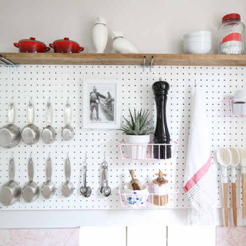 10 Small Kitchen Organizing Ideas- Organizing your small kitchen will be a lot easier if you know these 10 small kitchen organizing hacks! There are so many clever ways to create storage space in a small kitchen!   how to organize a small space, organize an apartment kitchen, organize a tiny kitchen, #kitchenOrganization #organize #homeOrganization #organizingHacks #ACultivatedNest